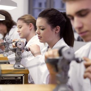"23 graduates of ""Alfred Helwig"" School of Watchmaking"